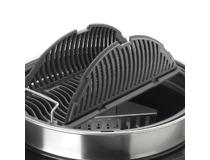 Gril na dřevěné uhlí Napoleon CHARCOAL 22-K LEG - odklápěcí rošt pro plnění briket a uhlí. Palivové nádoby nejsou součástí dodávky grilu